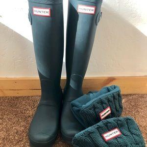 Hunter rain boots and boot socks